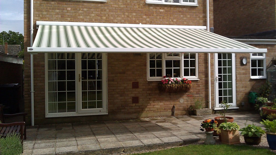What's the difference between drop arm awnings and folding arm awnings?